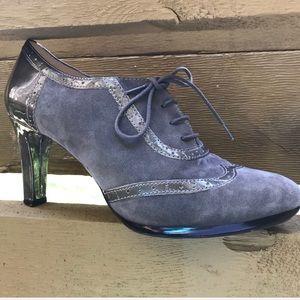 Anne Klein iflex Gray Suede Bootie Heels Size 9.5M